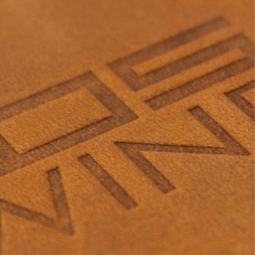 individuell-leder-logo-praegung