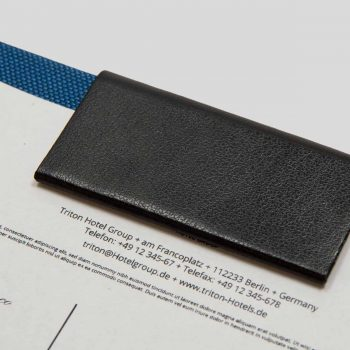 rechnungsmappen-leder-magnetleiste-personalisierbar